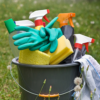 How to Choose Safer Cleaning Products